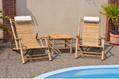 Souprava dvou bambusových lehátek a stolku